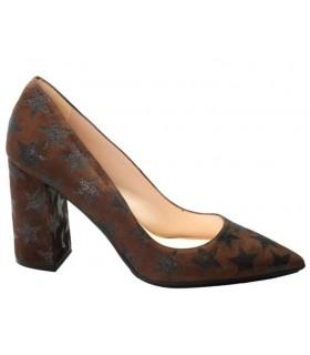 Zapato salón estrellas marrón