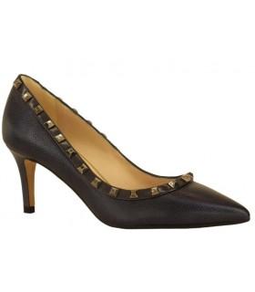 Zapato corte salón con tachas