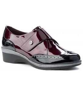 Zapatos de charol con velcro