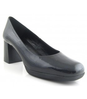 Zapato piel negro forma cuadrada
