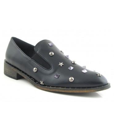 Zapato con tachas negro