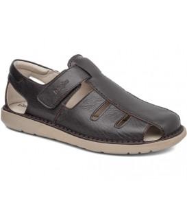 Sandalia con velcro color marrón