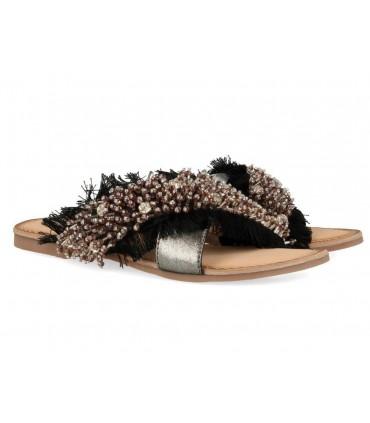 Sandalias con abalorios plana