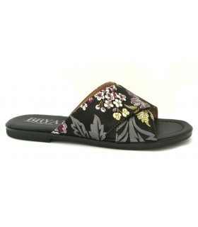 Sandalia plana con tejido negro
