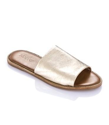 Sandalia con pala dorada