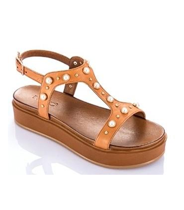 Sandalia con perlas y plataforma