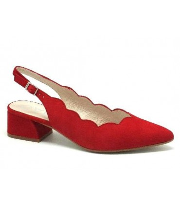 Salón mujer corte ondulado rojo