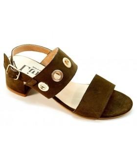 Sandalia con ojales en serraje kaki