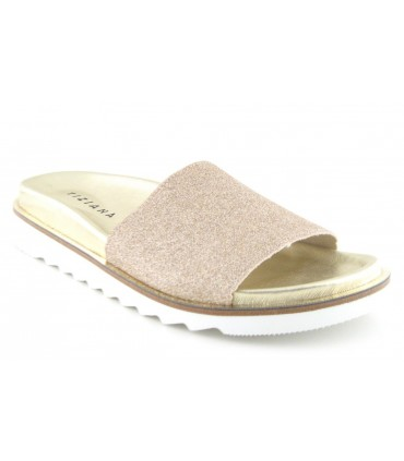Sandalia plana color platino