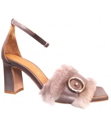 Sandalia para mujer color gris