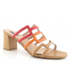 Sandalia de tacón combinada