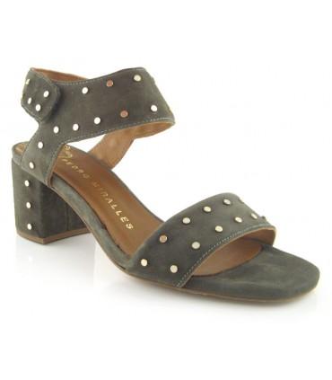 Sandalia de color kaki