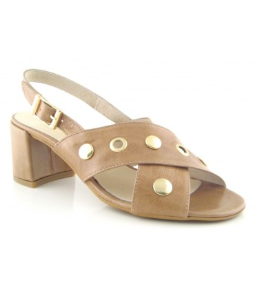 Sandalias con tachas tiras cruzadas
