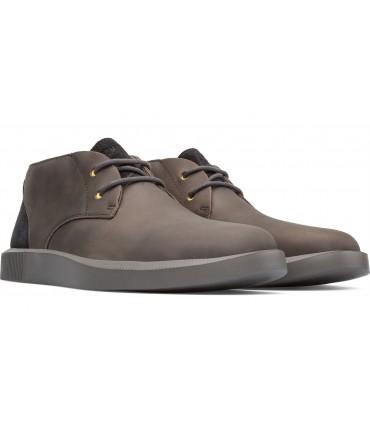 Zapato abotinado con cordones