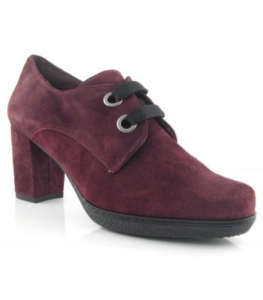 Zapato abotinado de tacón con ojales