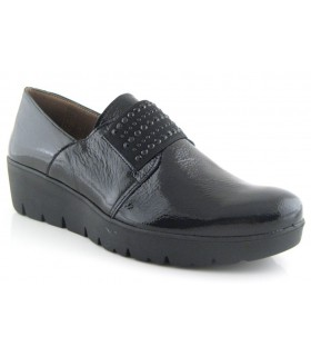 Zapatos con elástico central charol negro