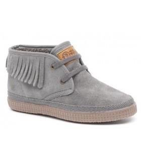 Zapato con flecos para niño