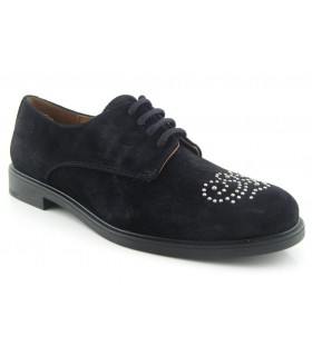 Zapato blucher con tachas en la pala