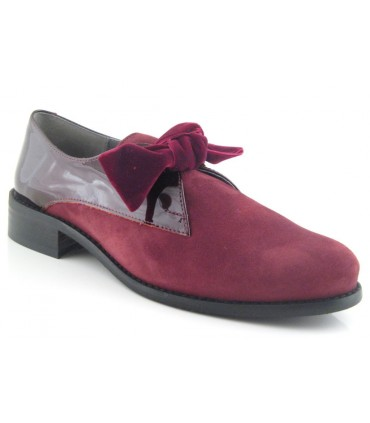 Zapato de charol combinado con serraje
