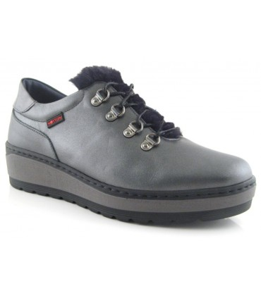 Zapato color grafito con ganchos