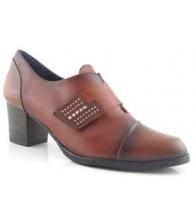 Zapato abotinado con velcro