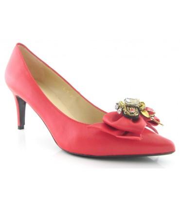 Zapato con pedrería en color rojo