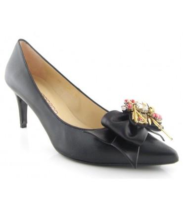 Zapato de vestir con pedrería