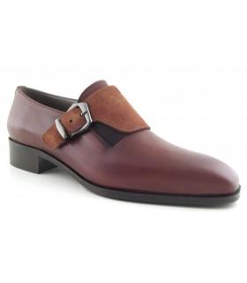Zapato con hebilla lateral cuero