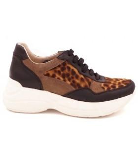 Deportivo con plataforma en leopardo