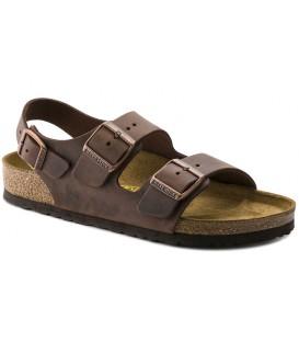 Sandalias con dos hebillas color marrón