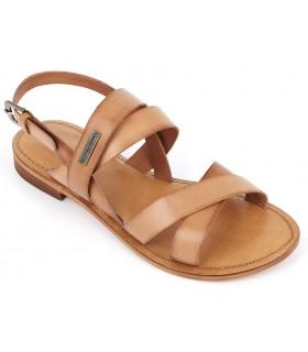 Sandalia de piel color cuero