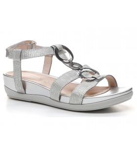 Sandalia de confort plata con adornos metálicos