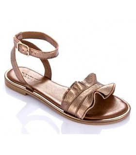 Sandalia plana en color oro para mujer