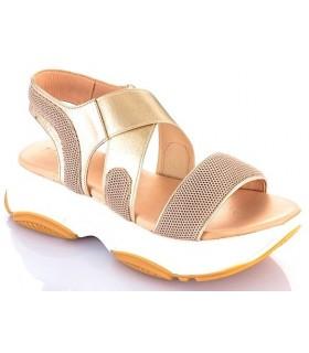 Sandalia con plataforma en color oro