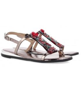 Sandalias planas de mujer con abalorios