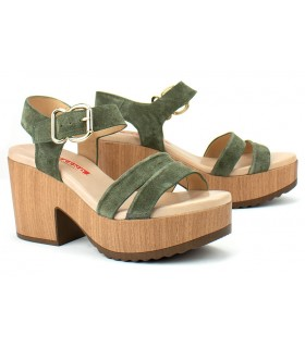 Sandalias de tacón alto con hebillas en serraje verde