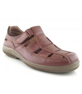 Sandalia con velcro en color cuero