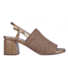 Sandalia rafia color cuero