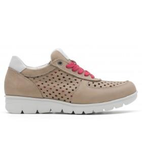 Zapato calado color taupe