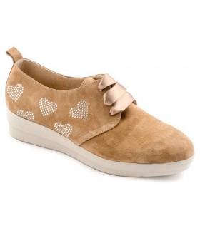 Zapato confort con corazones
