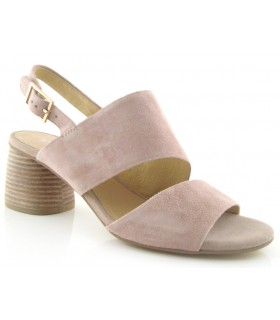 Sandalias de tacón en color nude