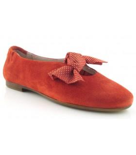 Zapato rojo con lazo