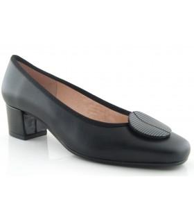 Zapato para mujer con adorno en la pala