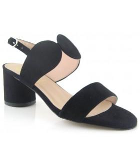Sandalia de color negro para mujer