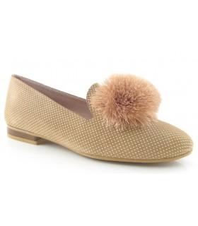 Zapato mocasín con pompón camel
