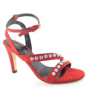 Zapato de vestir con pedrería rojo