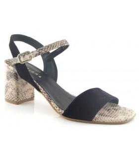 Sandalia de tacón combinada en ante negro y serpiente