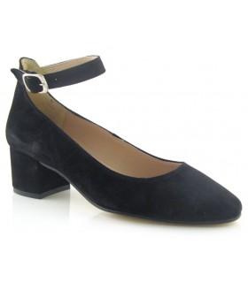Zapato corte salón con hebilla en el tobillo color negro