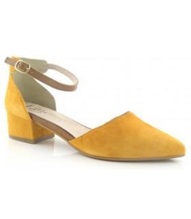 Zapato pulsera y puntera color ocre