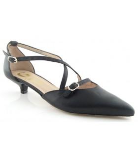Zapato de vestir en color negro con hebillas